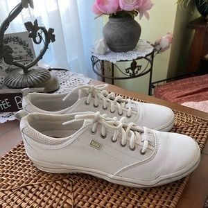 KEDS Leather Sneakers Sz 9 GREAT CONDITION!